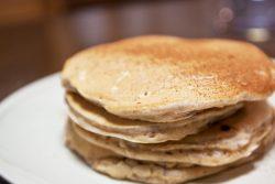 シナモンと小豆で作る、ふわふわパンケーキ