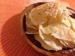 【レシピ】簡単でヘルシーな揚げないポテトチップスを好きなスパイス味に!