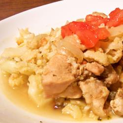 カリフラワーと鶏肉の煮込み