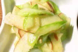 林檎とセロリのサラダ