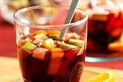 赤ワイン・スパイス・フルーツで作る!自家製サングリア!