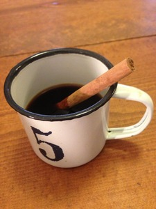 コーヒーとシナモンスティック