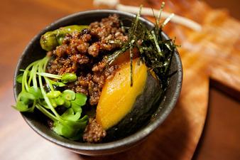 簡単肉味噌レシピ!カボチャの煮付け丼!